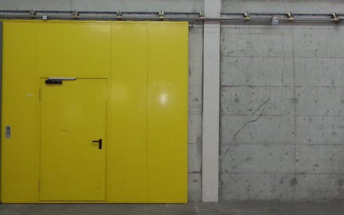 Motorisations mécaniques Dictamat 50 et 650 pour des portes coulissantes