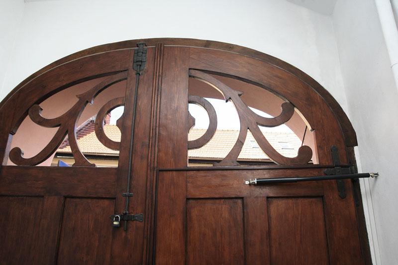 Türschliesser DIREKT liebt geschichtsträchtige Rundbogentüren