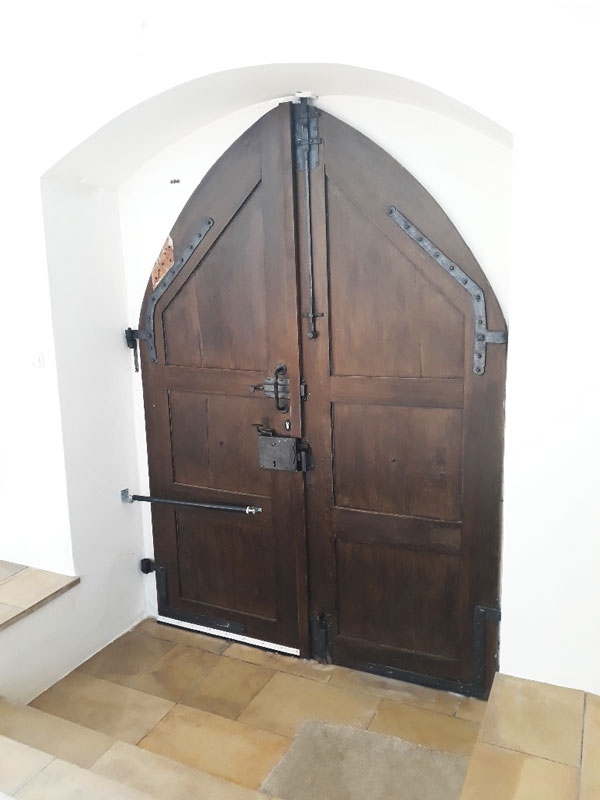 Tüschliesser an Kirchentür
